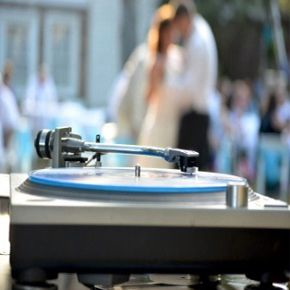 Can't afford a wedding band? Why not hire a wedding DJ in Brisbane? For helpful tips on wedding DJ hire read this helpful article >> http://www.weddingentertainmentbrisbane.com/hire-wedding-dj-brisbane/