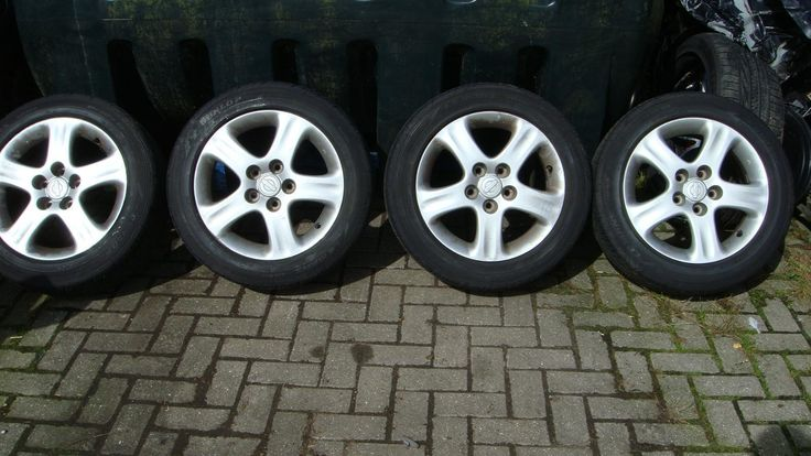 This nissan 200sx turbo alloys with dunlop tyres 205 55 16 is for sale.