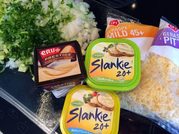 Met al deze heerlijkheden maak je echt Hollandse kaassoep. Met fotoblog stap voor stap uitgelegd.