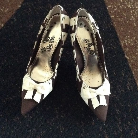 Heels from the buckle store Nwt heels  very cute !!!!!! naughty monkey Shoes Heels