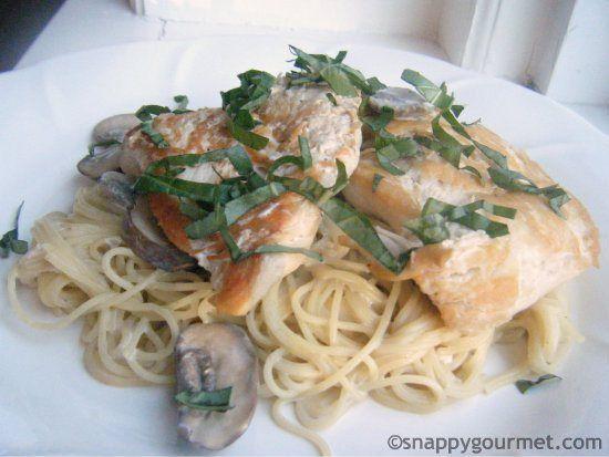 Champagne Chicken & Mushroom Pasta Recipe | snappygourmet.com (scheduled via http://www.tailwindapp.com?utm_source=pinterest&utm_medium=twpin&utm_content=post598103&utm_campaign=scheduler_attribution)