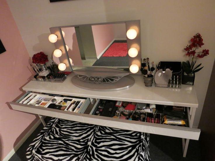 Marilyn Monroe Bedrooms | Marilyn Monroe Inspired Old Hollywood Vanity Room