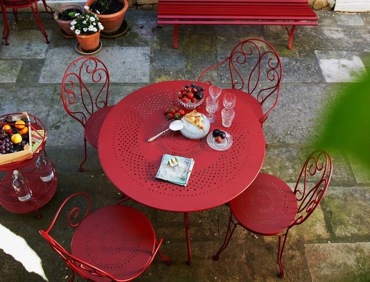 Montmartre drinkwagon #fermob #outdoor #outliving #backyard
