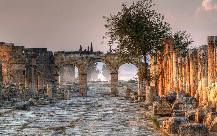 Pluto, Kybele, Apollon ve Dionysos gibi tanrıların mekanı Hierapolis - Pamukkale   #UNESCO #Pamukkale #Hierapolis #Pluto #Kybele #Apollon #Dionysos #Denizli