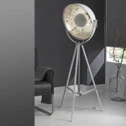 Suche Standleuchte scheinwerfer optik metall adira. Ansichten 19643.