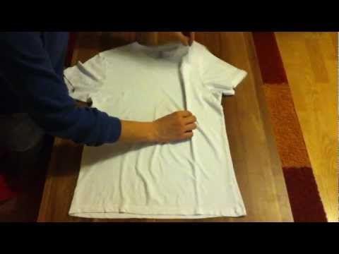 Falte dein T-Shirt schnell in unter 2 Sekunden - ganz einfach mit unserem T-Shirt Trick - YouTube