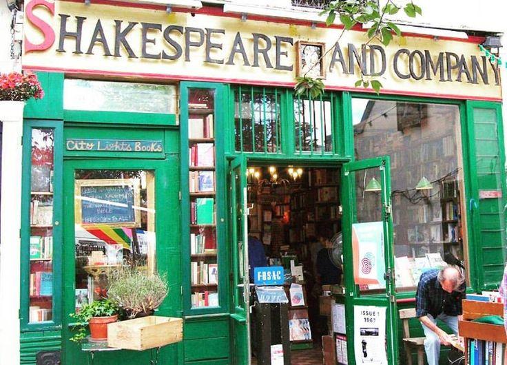 """La libreria Shakespeare and Company è stata fondata da George Whitman, figlio di Walt, nel 1951. George era soprannominato il """"Don Quixote del Quartiere Latino"""" ed era noto per il suo s…"""