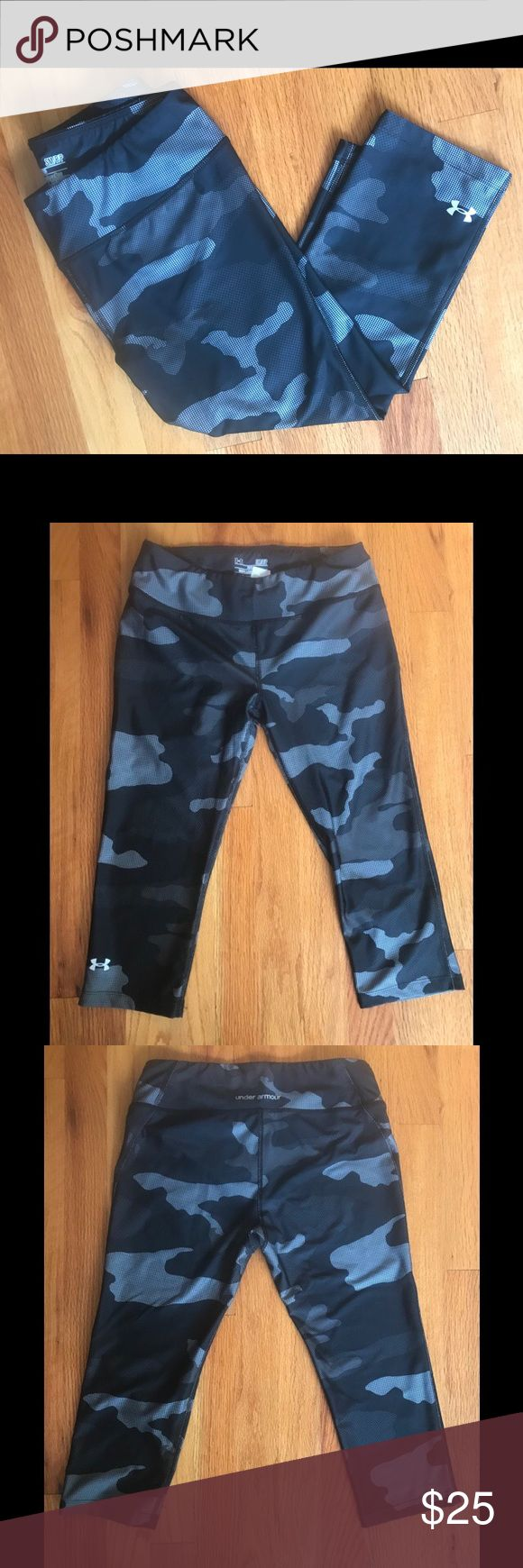 """Under Armour Fitted Camo Crop Pant Under Armour fitted, crop, heat gear pant. Black and gray camo pattern. Size: S. Used, like new.   Inseam: 18"""" Waist: 14.5""""   ‼️Reasonable offers welcome‼️ Under Armour Pants Leggings #pregnancypants,"""