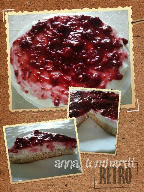 La cheesecake - Anna Lombardi   base  8cm Crusca d'avena  1 vasetto di yogurt magro  1cm di maizena o proteine in polvere  aroma a scel...