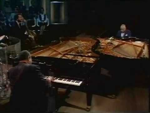 Oscar Peterson & Count Basie - Slow Blues    Oscar Peterson & Count Basie (piano)  Niels Pedersen (bass)  Martin Drew (drums)