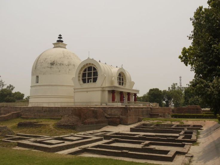 Mahaparinirvana Temple, the site of Buddha's death, Kushinagar