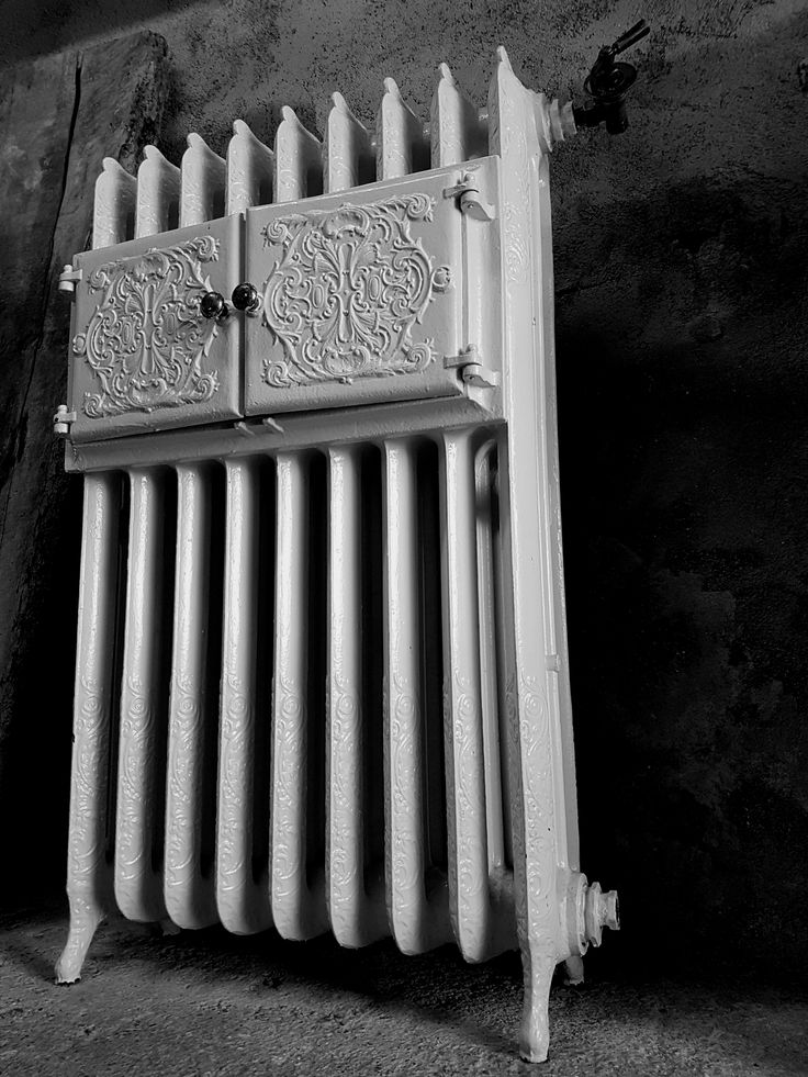 17 best ideas about cast iron radiators on pinterest. Black Bedroom Furniture Sets. Home Design Ideas