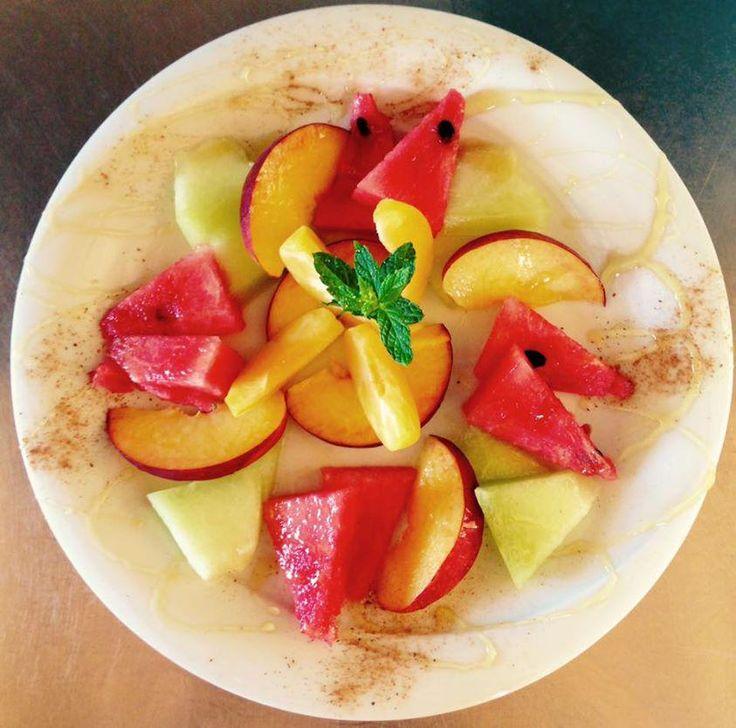 Tο καλοκαίρι σε ένα πιάτο! |Summer on a plate! #watermelon #healthysnack #summer #crete #fruitsalad #cressaghitonia