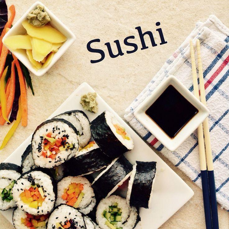 Sushi! Vegansk, glutenfri och sockerfri. 🌱💚 Receptet finns i meny 15.  www.allaater.se