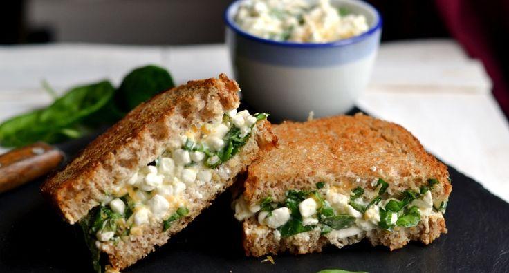 Spenótos-sajtos reggeli szendvics recept: Tökéletes reggeli Spenótos-sajtos reggeli szendvics recept, amit érdemes kipróbálnod! Egészséges, tápláló, laktató ötlet, hogy jól induljon a napod! ;)