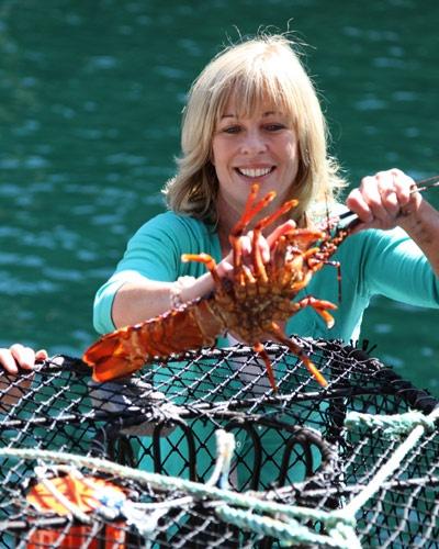 NZ's Annabel Langbein, celebrity cook, TV presenter, food writer & publisher, with a fresh crayfish!