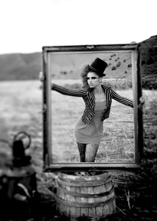 Hair and Make-up by Steph: Circus Chic Photo Shoot... yupp halloween/nxt photo shoot idea