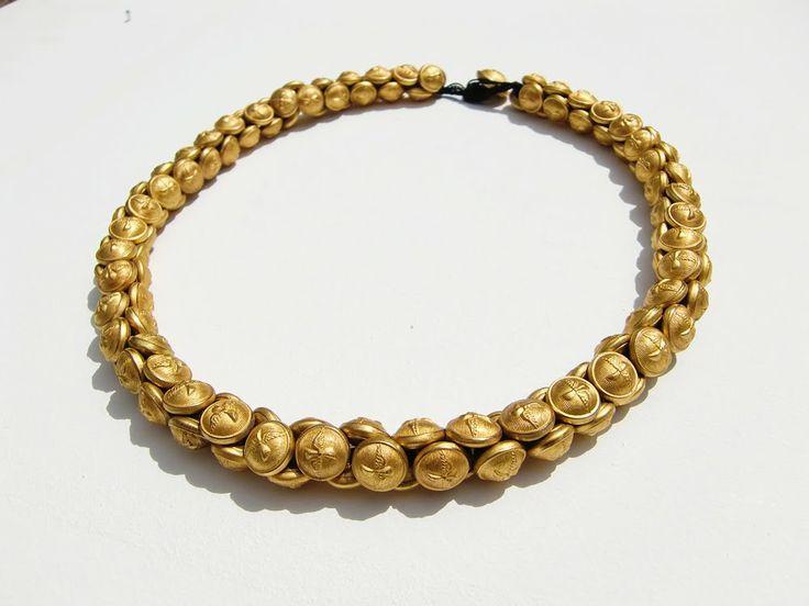 Botões Militares' Necklace. Buttons, Thread. by Teresa Milheiro (unique piece)