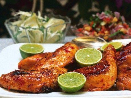 Grillade kycklingklubbor med sallad och salsa – Allt om Mat