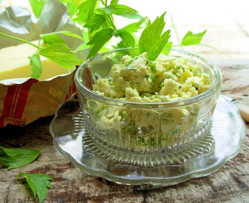 Make and share this Lovage Butter recipe from Food.com.