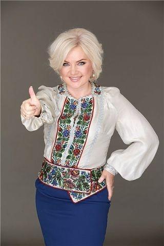 Оксана Білозір. чудова блузка