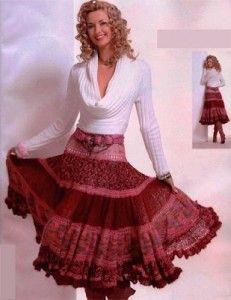 Эффектная красная юбка вязаная спицами