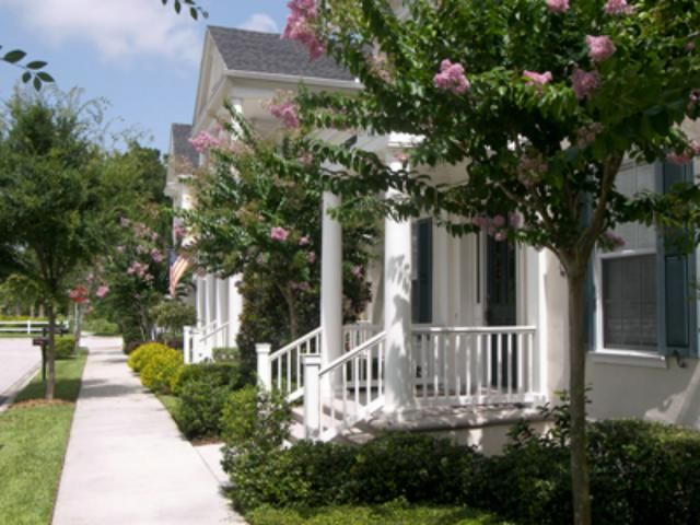 5 Places to Score a Cheap Vacation Rental for Labor Day Weekend: Celebration, FL: Listings up 100%