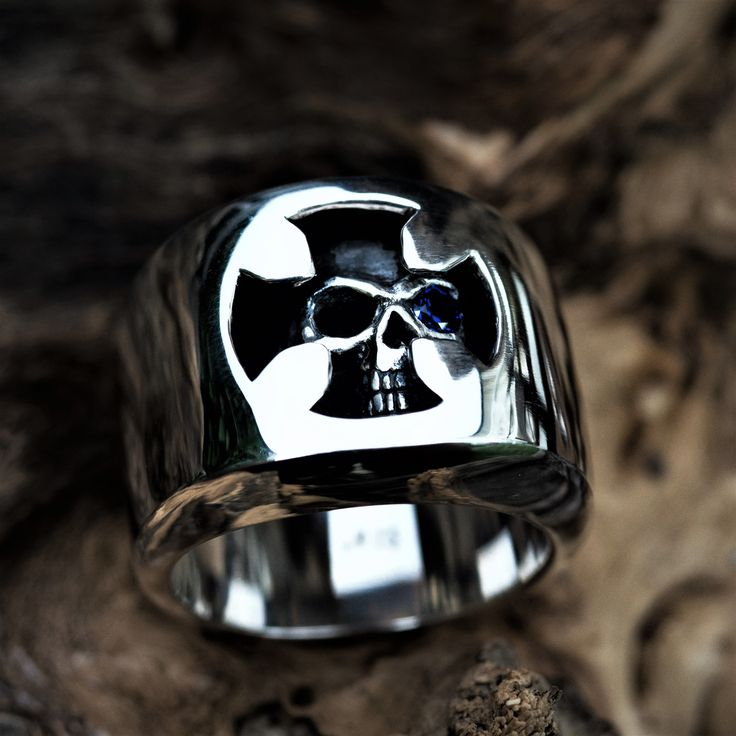 """Amazing Silver Skull Ring """"Guillaume collection"""" by Onyx Jewelry Boutique⚜️"""