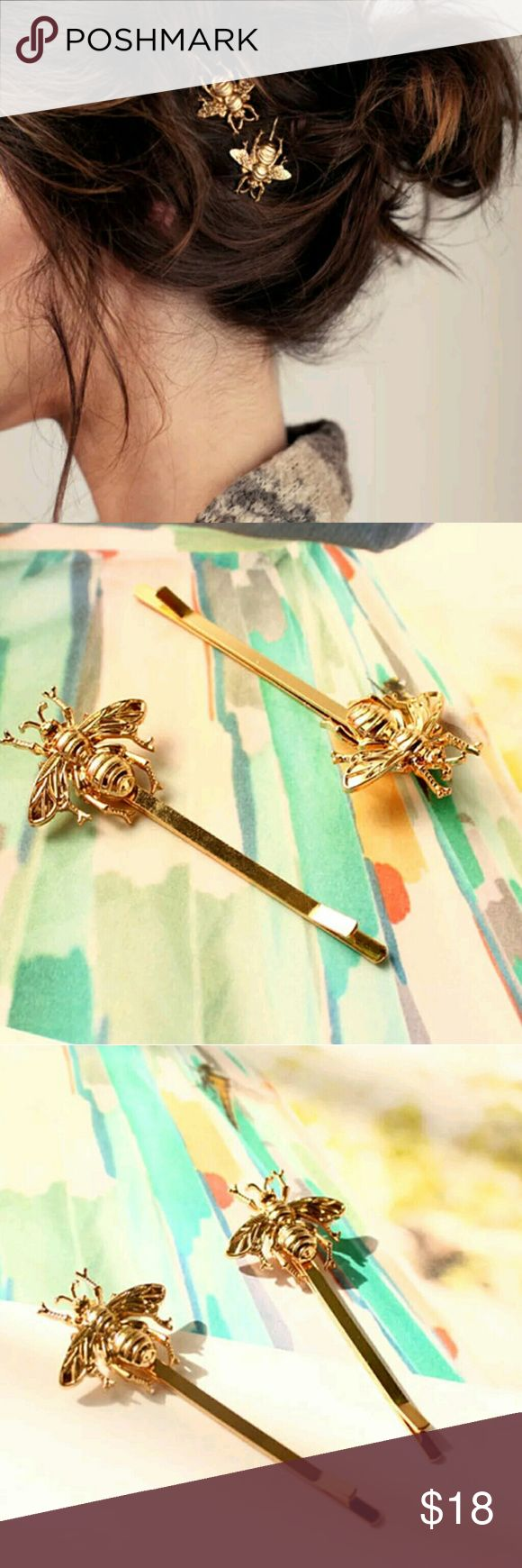 """🐝 Busy Bee hair clip set of 3 Adorable set of 3 golden bee hair pins  Bee is 1"""" by half an inch  Perfect accessory for spring    Set is 3 bee Bobby pins  Make and offer Accessories Hair Accessories"""