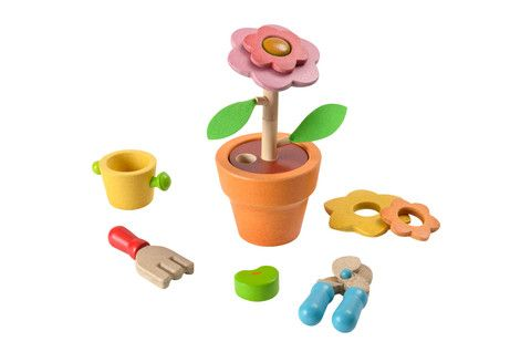 Encourage those green fingers! £18.95, www.oatesandco.com.