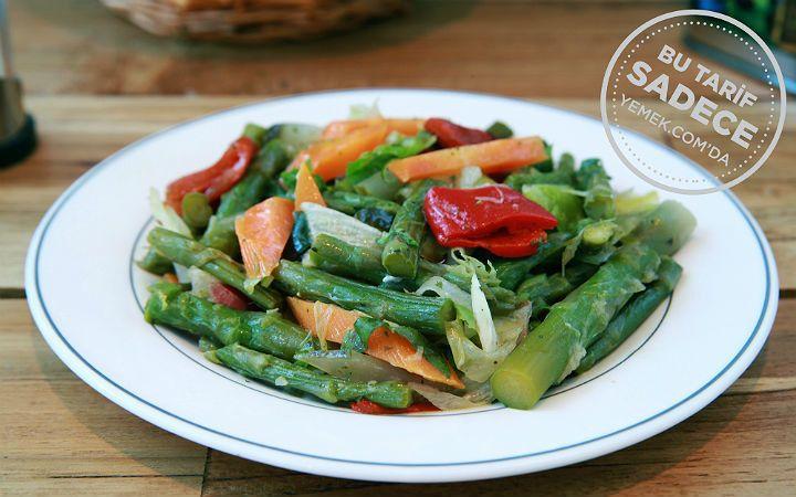 Namlı Gurme'den Kuşkonmaz Salatası Tarifi