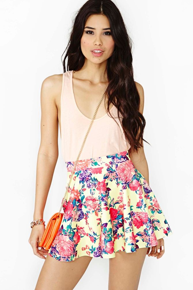 Super cute outfit for #Spring!! Electric Rose Skater Skirt from @Becky Carver GAL