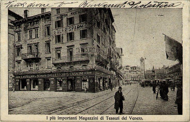 """Piazza delle Erbe - """"I più importanti Magazzini di Tessuti del Veneto"""" http://www.veronavintage.it/verona-antica/cartoline-storiche-verona/piazza-delle-erbe-piu-importanti-magazzini-di-tessuti-del-veneto"""