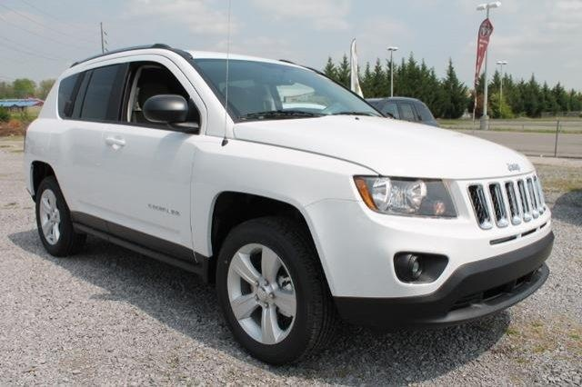 2014 Jeep Compass Sport SPORT SUV 4 Doors Bright White Clearcoat for sale in Cleveland, TN http://www.usedcarsgroup.com/cleveland-tn/2014-jeep-compass-1c4njcbb5ed535246.html