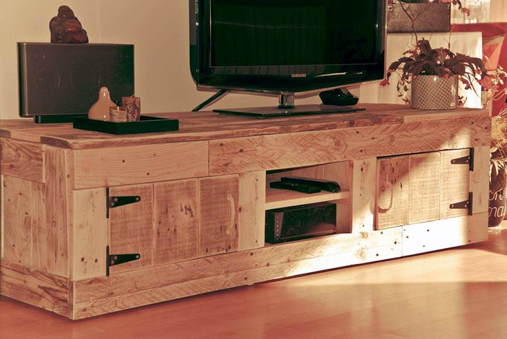 33 best meuble palette images on pinterest furniture pallet ideas and pallet wood. Black Bedroom Furniture Sets. Home Design Ideas