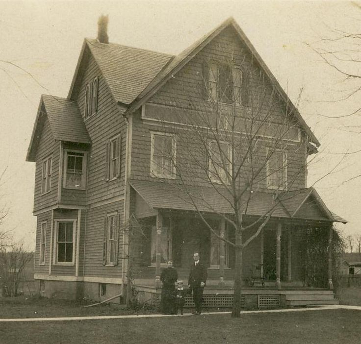 25 b sta folk victorian id erna p pinterest for Folk victorian house plans
