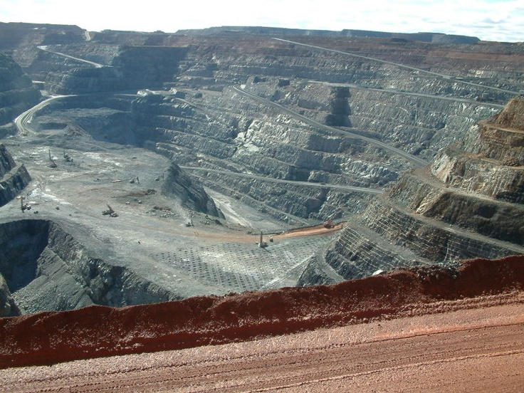 """Mine, Western Australia- Kalgoorlie's open pit gold mine, the only one in the world, designed by a convicted criminal, read about it in """"The Con""""."""
