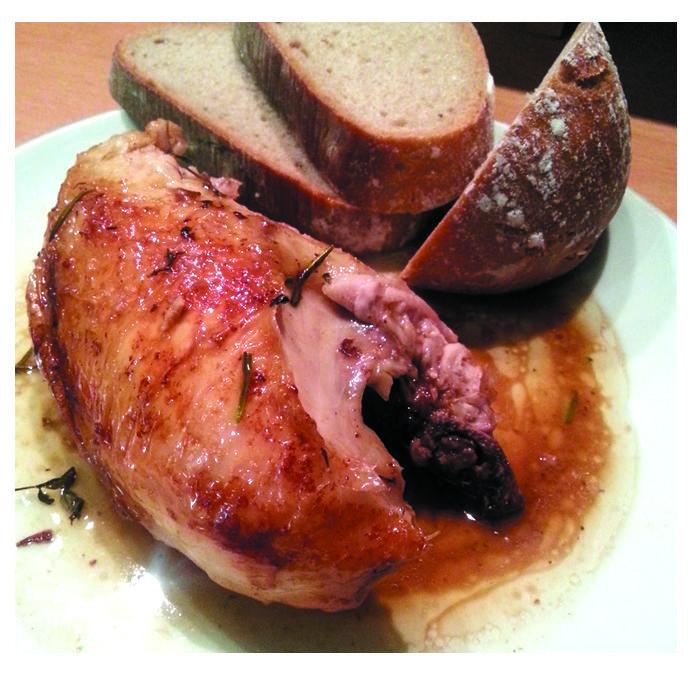 Dokonale šťavnaté pečené kuře - zkuste a nebudete chtít nikdy jinak. http://www.ksdvorakova.cz/stavnate-pecene-kure/