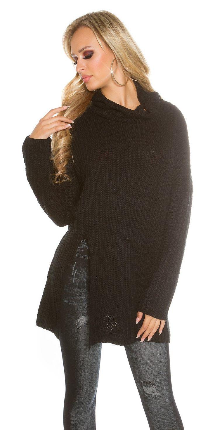 Gebreide coltrui in de kleur zwart en van het merk Koucla. € 29,95