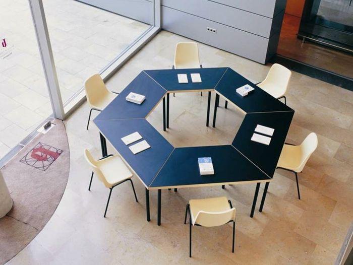 Круглый офисный стол для переговоров с партнерами - http://mebelnews.com/mebel-dlya-ofisa/kruglyj-ofisnyj-stol-dlya-peregovorov-s-partnerami.html