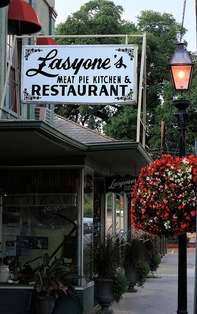 quaint little places to eat......Lasyone's in Natchitoches for Louisiana meat pies