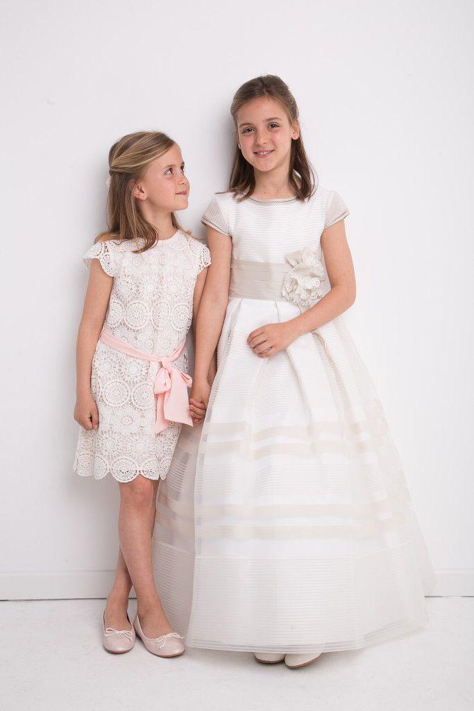 niña de comunion y su hermana pequeña en estudio | fotografía