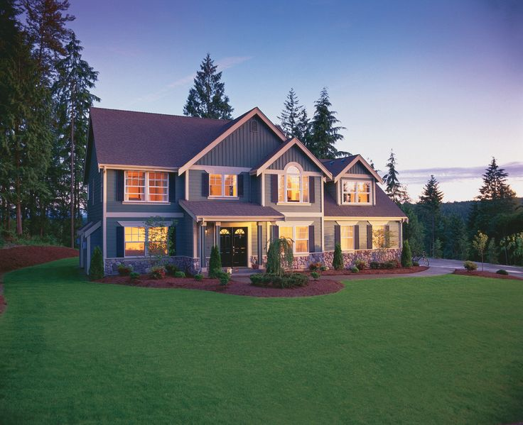 Gorgeous home using James Hardie siding in Evening Blue