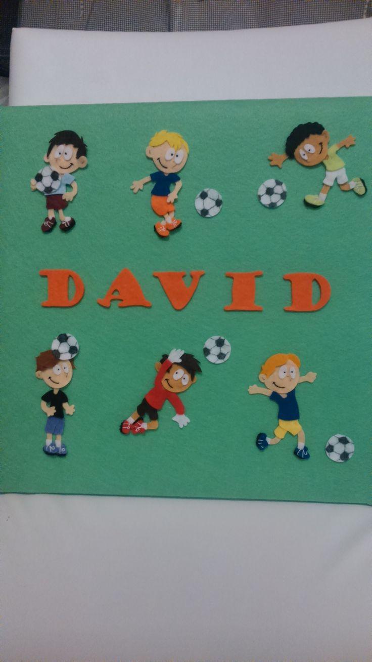 Cuadro personalizado infantil con temática futbolística.