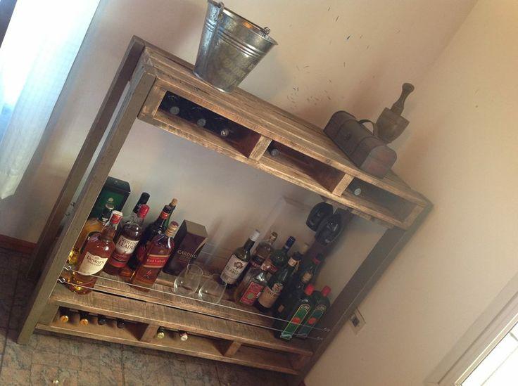 mueble tipo bar con estantes madera reciclada con ptina