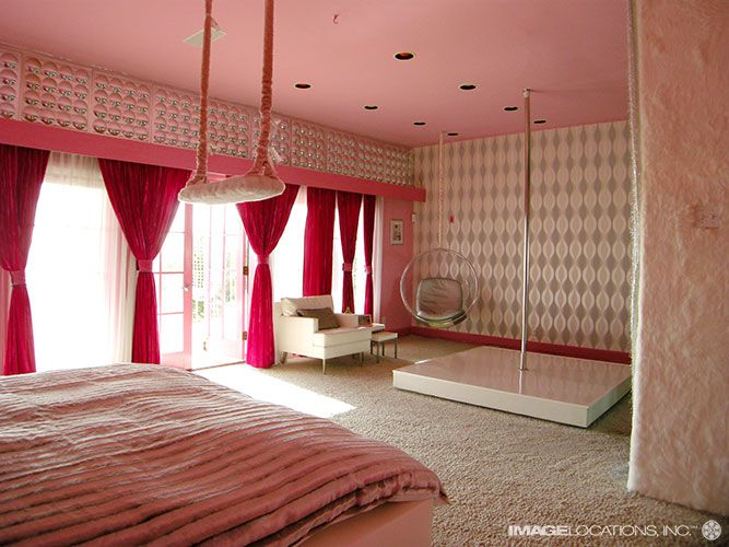 Single Ladies ultimate bedroom  Why go out  when you can be the stripper. Top 34 ideas about Dream house on Pinterest   On the beach