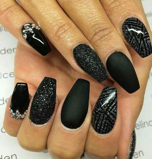 """Not much for all the fancy """"blinged out"""" nails but these are pretty cool"""