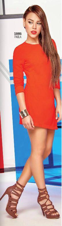 Danna Paola, Vestido Rojo. Tacones edicion del ultimo catalogo de Ofertas Cklass. #urban #dannapaola #lookfashion #outfit