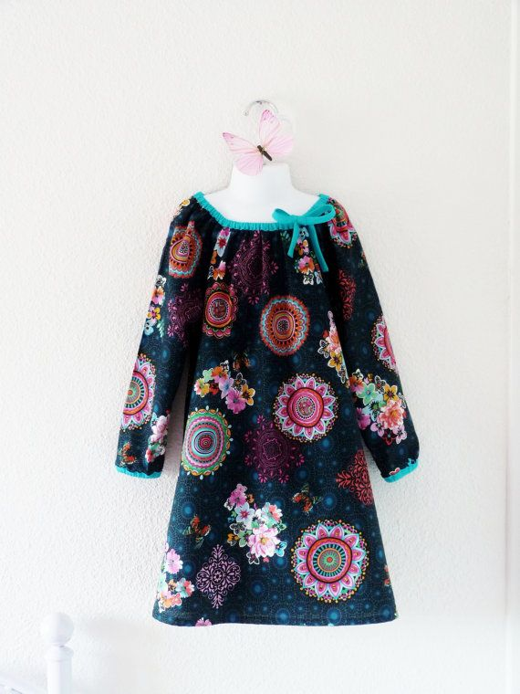 Girl / toddler peasant dress with long sleeves par LittlePoupettes
