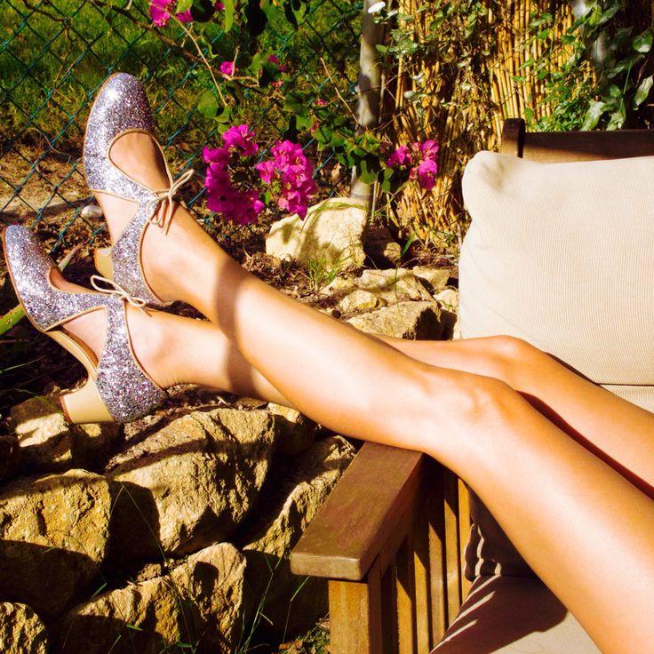 Mod. Escote, glitter plata y piel beige. #shoes #lindyhop #zapatos #swing www.swingzlindyshoes.com
